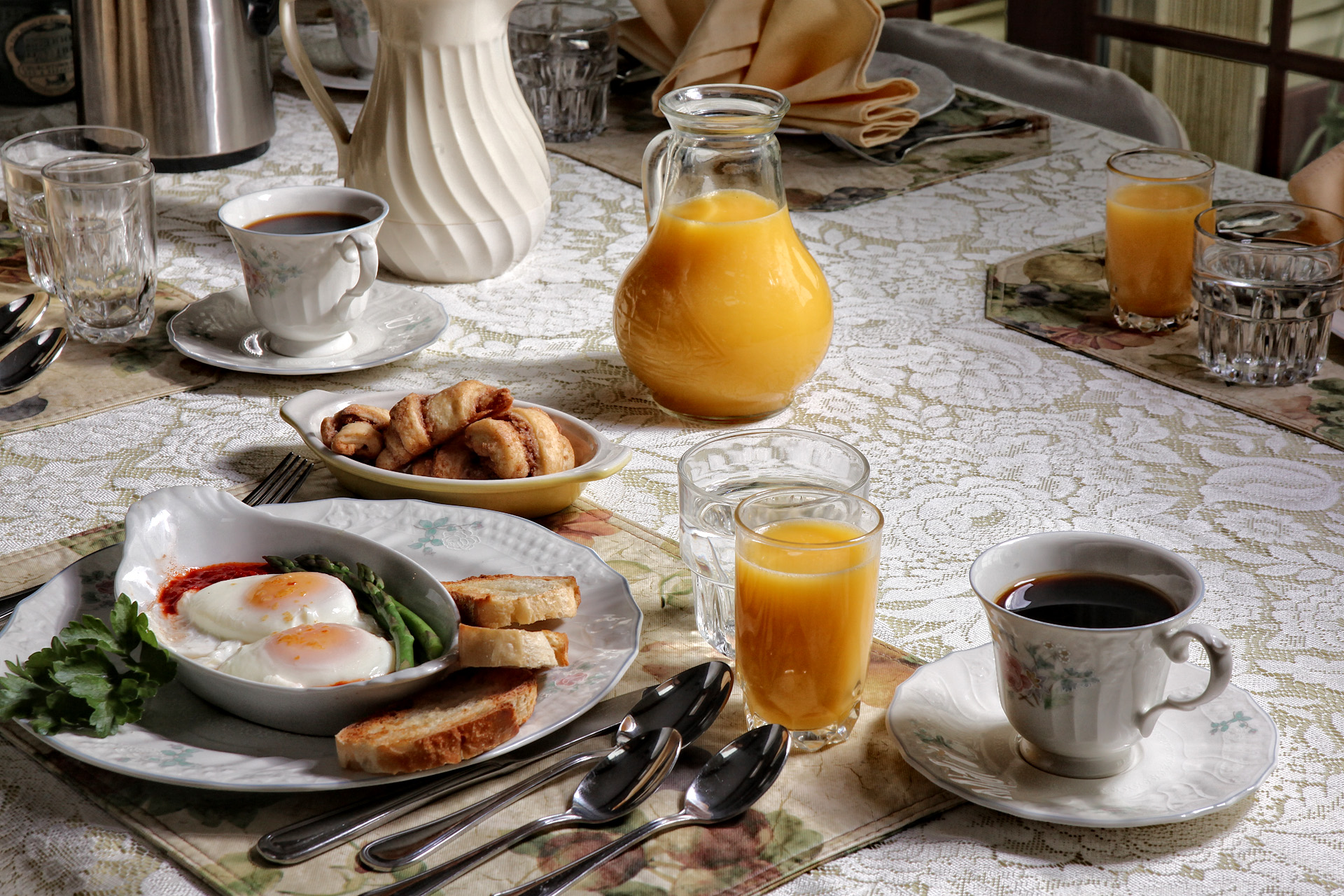 Easter Sunday Brunch Package/Churchtown BB/Lancaster area, PA